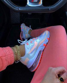 Nike Air Max Sneaker 270 React in orange - Cute Nike Shoes, Cute Nikes, Nike Air Shoes, Sneakers Mode, Cute Sneakers, Sneakers Fashion, Shoes Sneakers, Women's Shoes, Nike Air Max