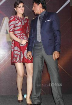 Kriti Sanon and Shah Rukh Khan at music success bash. Bollywood Actors, Bollywood Fashion, Recent Events, Indian Models, Latest Pics, Sexy Outfits, Fashion Beauty, Short Dresses, Mini Skirts