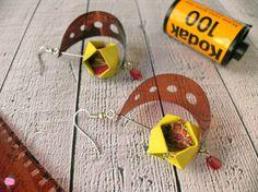 Handmade paper jewels - RavaPops Collection -gioielli di carta e pellicola fotografica fatti a mano #origami #paperjewellery #photographicfilm