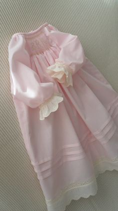 This sweet daygown has lots of details added to make a perfect special occasion gown or dress for your baby girl! Smocking Baby, Smocked Baby Clothes, Angel Gowns, Baby Gown, Christening Gowns, Heirloom Sewing, Kids Fashion, 60 Fashion, Doll Clothes
