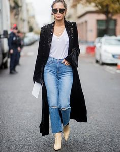 Petite Fashion Tips Mom Jeans Outfits With Boots Fashion Tips Mom Jeans Outfits With Boots Mom Jeans Outfit, Black Jeans Outfit, Casual Jeans, Jean Outfits, Cool Outfits, Denim Fashion, Classy Fashion, Petite Fashion, Style Fashion