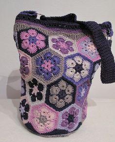Crochet bag. African flower pattern