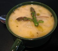Slow cooker asparagus soup.Slow cooker asparagus soup contains only healthy,rich of vitamins ingredients,such as asparagus,green onions,nonfat sour cream.