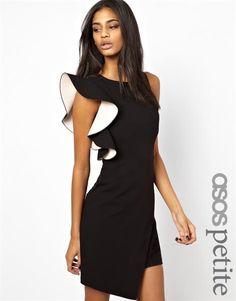 Платье с воланами рукава