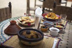 Marokkolainen #ruoka on mausteista, muttei tulista. #Couscous, liharuoka #tagine, linssipaistos ja mezet ovat perinteisiä ruokia. #Morocco #Aurinkomatkat