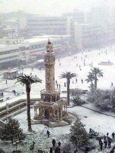 Izmir in snow, Turkey. İZMİRİM ,,, Çok nadir bir görüntü...