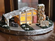 A community for enthusiasts of mid century modern design. From Charles and Ray Eames to Paul McCobb and Adrian Pearsall. Easy Gingerbread House, Gingerbread House Designs, Christmas Gingerbread House, Miniature Christmas, Christmas Cookies, Christmas Houses, Christmas Bells, Xmas, This Old House