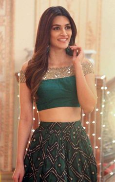 Kriti sanon erotic cleavage queen Bollywood and tollywood with her curvy body show. Hot and sexy Indian actress very sensuous cute beautifu. South Indian Actress Hot, Indian Bollywood Actress, Bollywood Girls, Beautiful Bollywood Actress, Beautiful Indian Actress, Best Bollywood Movies, Indian Wedding Photography Poses, Popular Actresses, Deepika Padukone