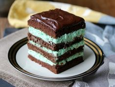 twenty plus more delicious chocolately fruity sweet and yummy luscious valentine's day desserts to make for your sweetie Chocolate Chip Cake, Chocolate Bark, Desserts To Make, Delicious Desserts, Dark Chocolate Ice Cream, Desserts Around The World, Cake Recipes, Dessert Recipes, Low Carb Cheesecake Recipe