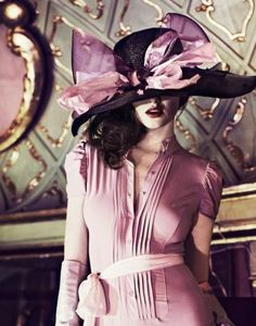 PANTONE COLOR OF THE YEAR 2014 - Radiant Orchid 18-3224  (Luscious Lilac-MAISON Kiss Kiss LONDON