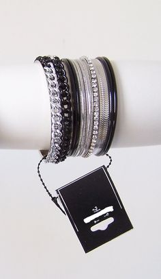 #Bracelets - Group of 9 bracelets / #Trinkets :)