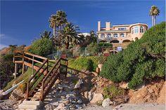 EXQUISITE OCEAN FRONT ESTATE  |  Malibu, CA  |  Luxury Portfolio International Member - Pinnacle Estate Properties