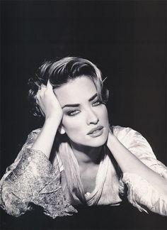 """Jagged Edge"": Tatjana Patitz by Andrew Macpherson for Elle UK May 1992"