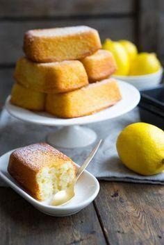 Быстро расскажу про рецепт быстрых лимонных булочек, потом быстро их приготовим и также быстро съедим. Сплошная скорость, в общем ;) Если увлекаетесь домашними десертами, то, очевидно, разделили…