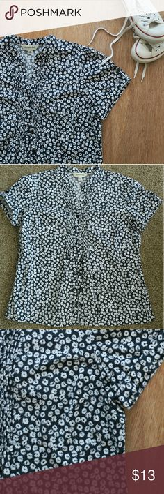 St Johns Bay Short Sleeve Blouse So pretty and perfect for a sunny day! Wear with jeans or slacks.  Navy blue and white. NWOT St. John's Bay Tops