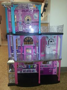 Barbie House now Monster High House.