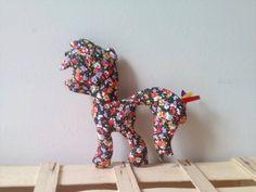 Doudou / Décoration de chambre Poney Liberty de la boutique Pipouchhh sur Etsy