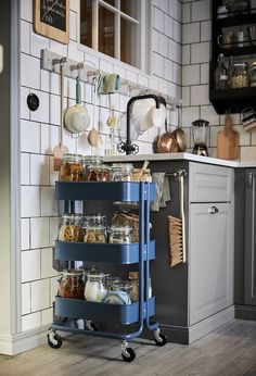 5 Ikea kitchen storage ideas that are going to change your life* *Okay maybe not change your life, but these Ikea kitchen storage ideas will get your kitchen in check Ikea Raskog Trolley, Raskog Ikea, Raskog Cart, Ikea Cart, New Kitchen, Kitchen Decor, Kitchen Hacks, Kitchen Ideas, Cheap Kitchen