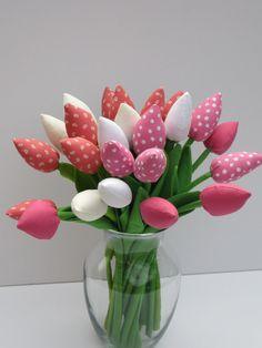 Fabric tulip flowers: HappyDollsByLesya on Etsy