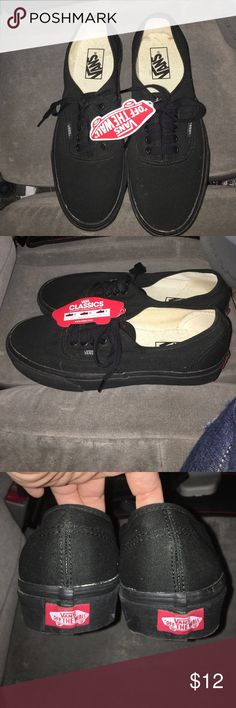 Vans unisex classic shoes Black Vans unisex shoe...men's size 8 and women's size 9.5.  Brand new never been worn.  White glue showing in certain areas where the material meets the base, sample shown in pic. Vans Shoes Sneakers