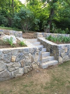Garden Retaining Wall, Landscaping Retaining Walls, Hillside Landscaping, Front Yard Landscaping, Landscaping Ideas, Stone Retaining Wall, Flagstone Path, Outdoor Landscaping, Sloped Yard
