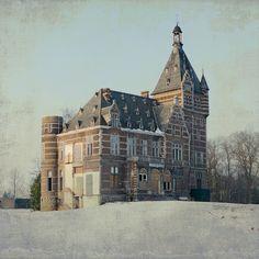 abandoned castles   abandoned castle 3