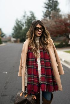 Comfortable Winter Style | winter fashion tips | how to style a plaid scarf | winter fashion tips | what to wear for winter | winter style ideas || The Girl in the Yellow Dress #winterfashion #comfortablestyle #plaidscarf