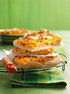 Pikanter Kürbiskuchen mit Schinken und Käse
