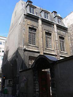 Hôtel de Nevers (XVIIe) 12, rue Colbert et 58 bis, rue de Richelieu Paris 75002. Vestige d'un hôtel d'une taille beaucoup plus grande. Vue depuis la rue Colbert.