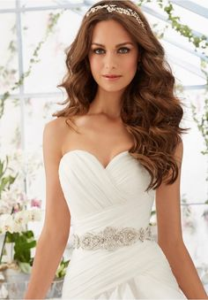 Wedding Gown Accessories Beaded Net Belt Colors Available: White, Ivory, Light Gold. Wedding Hairstyles For Long Hair, Bride Hairstyles, Down Hairstyles, Stunning Wedding Dresses, Bridal Wedding Dresses, Bridal Hair, Wedding Hair Side, Wedding Hair And Makeup, Fall Wedding