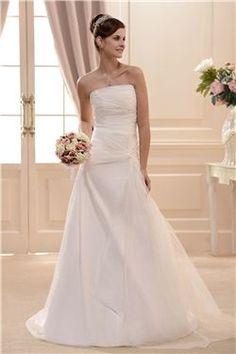 素晴らしいAライン床まで届く長さストラップレスコートトレーンウェディングドレス