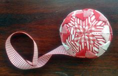 Make your own quilted baubles