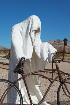 Oddly enough, just outside of Death Valley in the ghost town of Rhyolite, there is a thriving art community.  This is one of the sculptures that is out there.