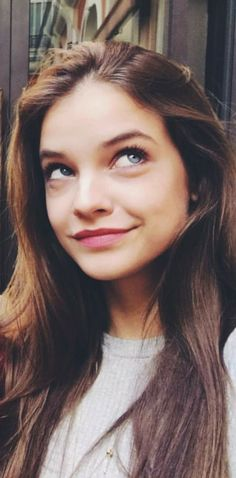 Barbara Palvin Barbara Palvin, Most Beautiful Faces, Beautiful People, Cute Beauty, Girl Inspiration, Kendall Jenner Outfits, Hollywood Celebrities, Victoria Secret Swim, Hipster Girls