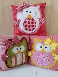 Owl Pillow: 100 models and easy step by step : 48 Owl Sewing, Sewing For Kids, Fabric Crafts, Sewing Crafts, Sewing Projects, Cute Pillows, Baby Pillows, Owl Cushion, Pillow Inspiration