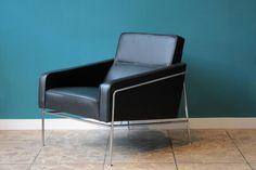Model 3300 Lounge Chairs by Arne Jacobsen for Fritz Hansen 3