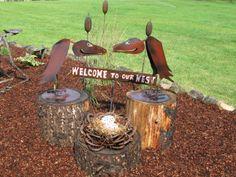 greeting vultures Metal Art Sculpture, Metal Birds, Bird Baths, Art Walk, Welding Art, Horseshoes, Iron Decor, Container Plants, Spikes
