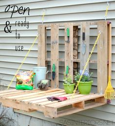 DIY Furniture : DIY Pallet Gardening Table