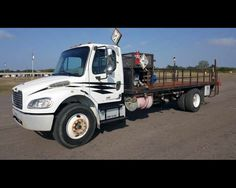 2007 FREIGHTLINER BUSINESS CLASS M2 106 18FT FLATBED WITH LIFTGATE  - $27500,  http://www.afetrucks.com/heavy-duty-trucks---flatbed-trucks-2007-freightliner-business-class-m2-106-18ft-flatbed-with-liftgate-used-pinellas-park-fl_vid_50029_rf_pi.html