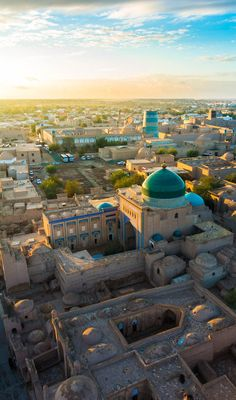 Khiva, Uzbekistan at sunset as seen from the Islam Khoja minaret. Islamic Architecture, Classical Architecture, Beautiful Architecture, Art And Architecture, Central Asia, Countries Of The World, Brunei, Asia Travel, Where The Sun Rises