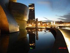 Bilbao. Reflejos en el Guggenheim.