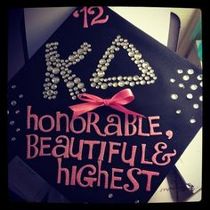 greeksforlife: This is an adorable grad hat!