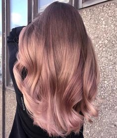 35 Charming Rose Gold Hair Colors - Page 24 of 35 - LoveIn Home - 35 Charming Rose Gold Hair Colors Rose gold hair,hair colors,hairstyle ideas. Cabelo Rose Gold, Coiffure Hair, Pink Ombre Hair, Pastel Ombre, Best Ombre Hair, Short Thin Hair, Short Blonde, Straight Hair, Short Cuts