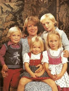 Princess Irene of Netherlands, when duchess of Parma, with her four children : Prince Jaime, count of Bardi (born 1972), Princess Carolinam marchioness of Sala (born 1974), Princess Margarita, countess of Colorno (Born 1972) and Prince Carlos, current duke of Parma (born 1970) Late 70s.