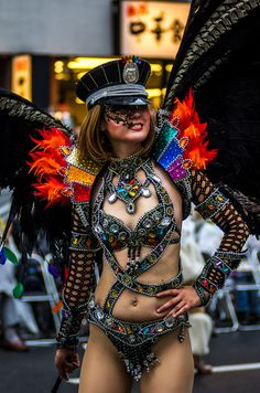 Although some of the costumes brought more to mind some other aspects of Asakusa's nightlife history -i.e. the cabarets in the Rokku! #Asakusa, #Samba 4/4 August 29, 2015 © Grigoris A. Miliaresis