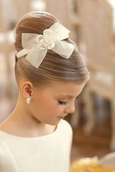 50 First Communion Hairstyles Ideas Nis 2017 admin Kurzhaar Frisuren 0 Both boys and girls should feel spoiled on such an important day and an . Cute Little Girl Hairstyles, Flower Girl Hairstyles, Cute Hairstyles, Teenage Hairstyles, Hairstyle Ideas, Beautiful Hairstyles, Little Girl Updo, Updos For Little Girls, Natural Hairstyles