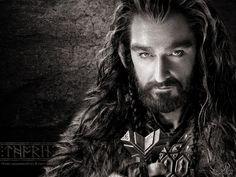 "Richard Armitage interpreta a Thorin, rey de los enanos, en la película ""El Hobbit"", 2012. Imagen tomada de http://darkjackal32.deviantart.com/art/Thorin-Oakenshield-The-Hobbit-Wallpaper-1024x768-313319089#"