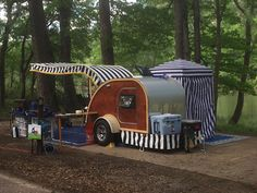 Gorgeous Vintage Camper Exterior Inspiration , Camping has ever been about the very simple life and interacting with nature. A Camper can be customized for you from the beginning, and is prepared t. Teardrop Camper Trailer, Tiny Camper, Rv Campers, Camper Van, Small Campers, Trailer Awning, Camper Life, Happy Campers, Motorcycle Camping