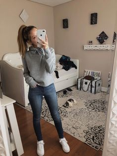 casual outfits for school & casual outfits ; casual outfits for winter ; casual outfits for work ; casual outfits for women ; casual outfits for school ; casual outfits for winter comfy Spring Outfits For School, Fall Outfits For Teen Girls, Simple Fall Outfits, Casual School Outfits, Lazy Outfits, Cute Comfy Outfits, Teen Fashion Outfits, Everyday Outfits, Trendy Outfits