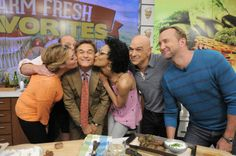 Everybody loves Dr. Oz! #TheChew <3